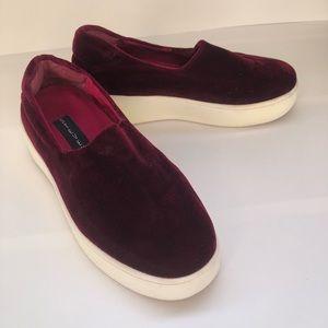 Steve Madden Slip-on Velvet Shoes